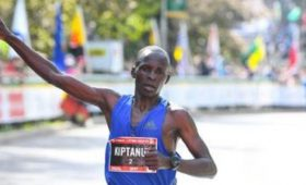 Elius Kiptanui crosses the finish line at the 2017 Scotiabank Ottawa Marathon
