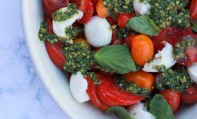 Pesto capese salad